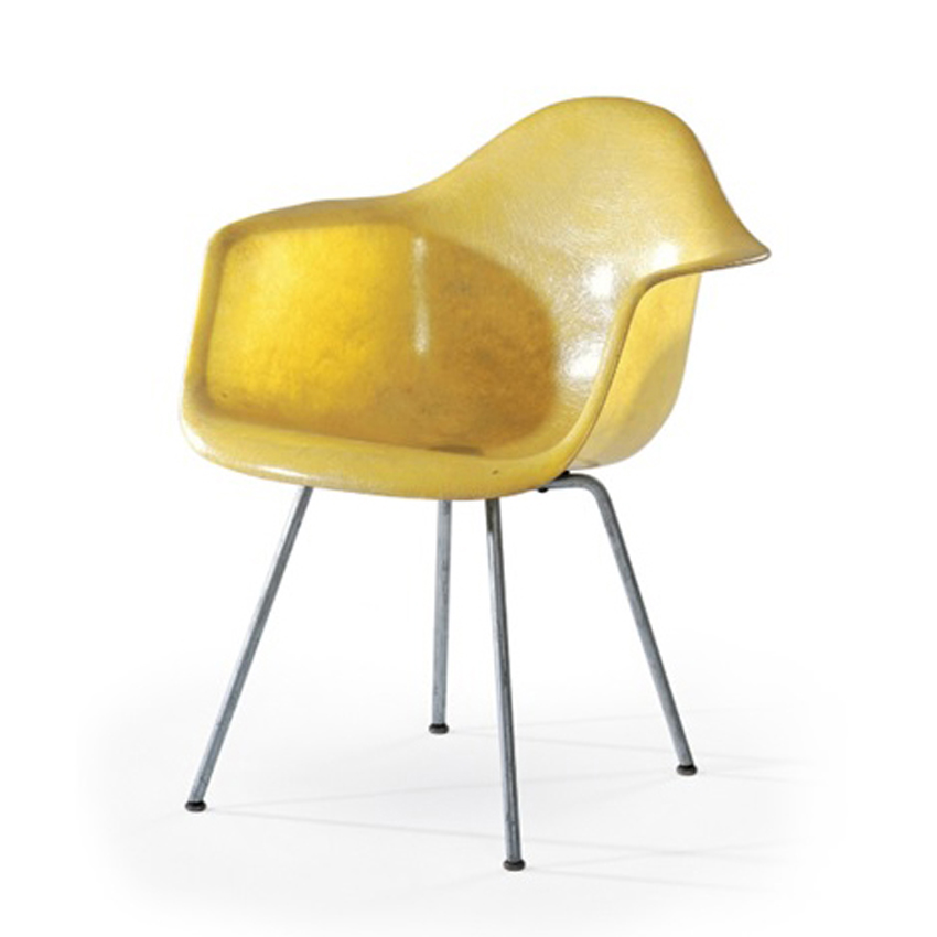 Plastic armchair by Charles and Ray Eames for Herman Miller
