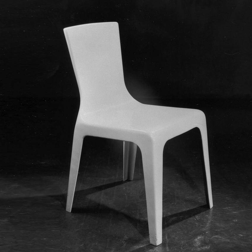 Monobloc plastic chair by Douglas Simpson and James Donahue 1946