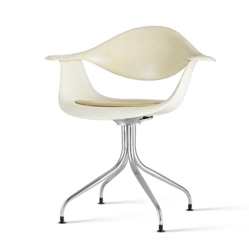 Swag Leg Armchair Image